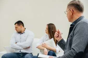 اعتماد به تغییر در همسران
